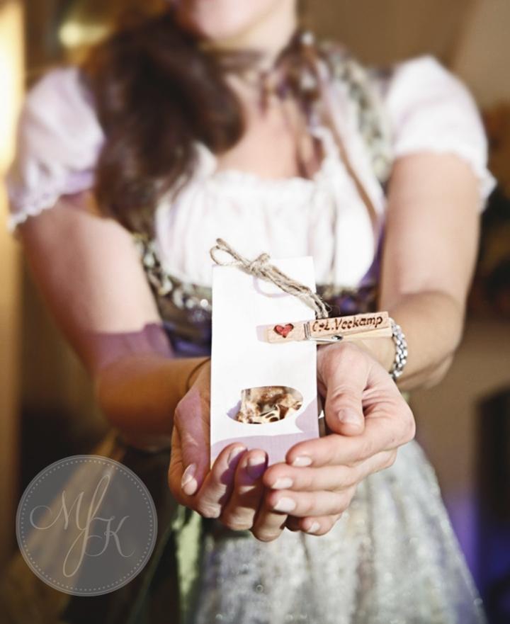 Hochzeit_München_Gilching_Standesamt_Tegernsee_Hochzeitsfotos_Hochzeitsfotograf_042_Master