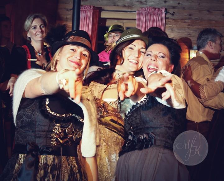 Hochzeit_München_Gilching_Standesamt_Tegernsee_Hochzeitsfotos_Hochzeitsfotograf_044_Master