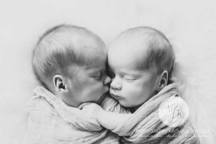 _K6B7155_sw_Postergröße_neugeborenenfotos